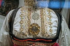 Folk Costume, Costumes, Going Out Of Business, Bridal Crown, Traditional Outfits, Norway, Wedding Jewelry, Under Armour, Bags