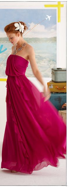 Love the BRIGHT color, and easy breezy flow of this dress. Screams Spring Getaway!