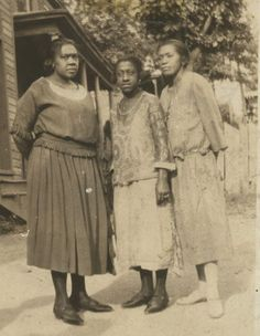 VINTAGE 1920s AFRICAN AMERICAN FAMILY FRIENDS PHOTO