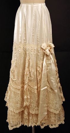 Antique Lace Petticoat in Ivory Cotton, with Frills, Lace & Satin Bow ....