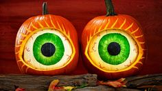 The Halloween season is here. The same old Pumpkin decoration will not be enough to fulfill your excitement. Here are some pumpkin carving ideas that would. Unique Pumpkin Carving Ideas, Funny Pumpkin Carvings, Amazing Pumpkin Carving, Pumpkin Carving Patterns, Pumkin Ideas, Pumpkin Eyes, Spooky Pumpkin, Halloween Pumpkins, Halloween Crafts