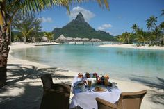 Romantic breakfast on the Beach in Bora Bora