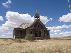 Visit These 6 Creepy Ghost Towns in Washington At Your Own Risk