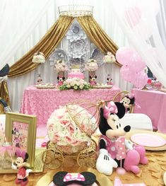 Mickey Mouse / Minnie Mouse Birthday Party Ideas | Photo 1 of 18
