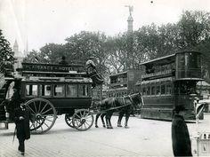 Omnibus et tramway à Châtelet 1900 Omnibus hippomobile et Tramway Mékarski à air comprimé