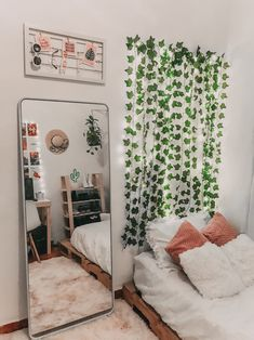 To decorate your room with little money Zimmer Einrichten Cute Bedroom Ideas, Cute Room Decor, Room Ideas Bedroom, Teen Room Decor, Home Office Decor, Bedroom Inspo, Diy Room Ideas, Bedroom Ideas For Small Rooms Women, Bohemian Room Decor