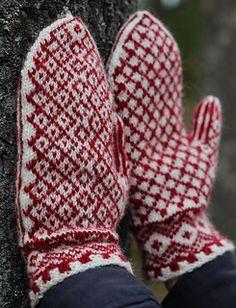 Ravelry: Martjärn pattern by Erika Guselius Mittens Pattern, Knit Mittens, Knitting Socks, Mitten Gloves, Baby Knitting, Fair Isle Knitting, Knitting Accessories, Yarn Needle, Ravelry