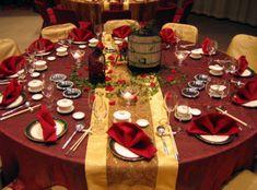 Decoración de mesas para Navidad. Más ideas en... http://www.1001consejos.com/decoracion-de-mesas-de-navidad/
