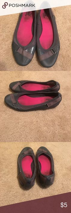 Gray puma flats. Have some staining on the inside but the outside is in great condition. Have a lot of life left Puma Shoes Flats & Loafers