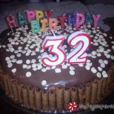 Τούρτα Cathrina συνταγή από Sitronella - Cookpad Birthday Candles, Desserts, Food, Tailgate Desserts, Deserts, Eten, Postres, Dessert, Meals