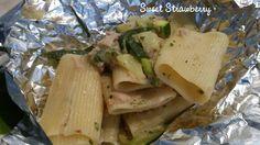 Pasta al cartoccio con zucchine e tonno! Per questa e molte altre ricette, guardate qui! http://pattysweetstrawberry.blogspot.it/2014/11/pasta-al-cartoccio-con-zucchine-e-tonno.html