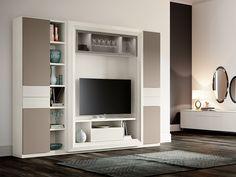 Soggiorno moderno a parete completamente personalizzabile e componibile, qui proposto nelle finiture white larix e visone. Ogni soggiorno può ovviamente essere composto a proprio piacere scegliendo i vari moduli compositivi e personalizzato nelle tante finiture disponibili.