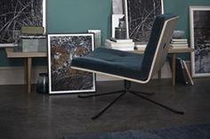 """Bullet har fået sit navn efter de 4 stål """"patroner"""", som er indfræsset i sæde og ryg. Designet med drejesoklen i stål og skal i formspændt træ, giver en fantatisk siddekomfort og samtidig et let udtryk. Den er håndlavet i Danmark og finished er helt i top."""