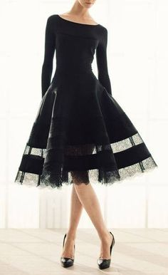 so vintage! I can see Betty Draper wearing this.