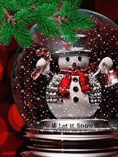 * * * * * Christmas gif ~ How Sweet! Christmas Snow Globes, Christmas Scenes, Noel Christmas, Christmas Pictures, Winter Christmas, Vintage Christmas, Merry Christmas Quotes, Merry Christmas And Happy New Year, Christmas Greetings
