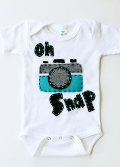 Oh snap onesie, vintage camera, unisex, baby shower gift,. $18.99, via Etsy. @Mari Moreland Hartmann and @Stephanie Close Nieto So cute I bet we could make it!  being a photography junkie my baby will definatly have this :)