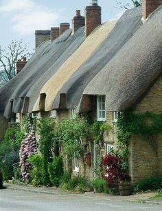 Thatched cottages in Upper Heyford,Oxfordshire, England