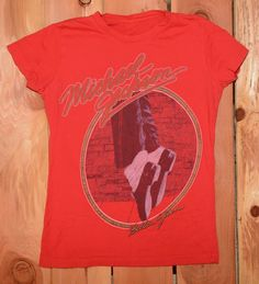 "Michael Jackson ""Billie Jean"" Graphic Tee Shirt Woman's Size Large"