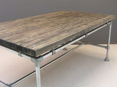 Tafelblad blackwash balkjes zwevend en steigerbuis onderstel
