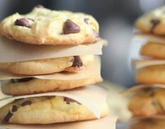 3 Recipes for 4-Ingredient Chocolate Chip Cookies