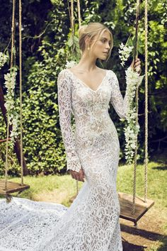 luscious lace wedding dress | Bridal Musings Wedding Blog