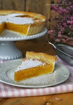 Portuguese Desserts, Portuguese Recipes, Portuguese Food, Tart Recipes, Sweet Recipes, No Bake Desserts, Dessert Recipes, Gourmet Desserts, Plated Desserts