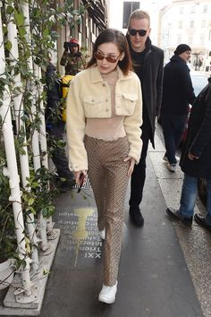 Bella Hadid Out in Milan 02/21/2018. Celebrity Fashion and Style | Street Style | Street Fashion