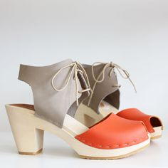 Color-block Sofie peep toe