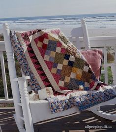 Both big and small scraps will find their home in these scrappy quilt throws! Lap Quilts, Quilt Blocks, Scrappy Quilts, Small Quilts, American Patchwork And Quilting, Quilt Border, Quilt Material, Quilt Batting, Hand Quilting