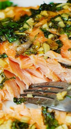 Cilantro-Lime Honey Garlic Salmon (baked in foil) - healthy seafood recipe