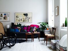 Source: Saša Antić  That hit of pink really stands out! Love the painted floors.