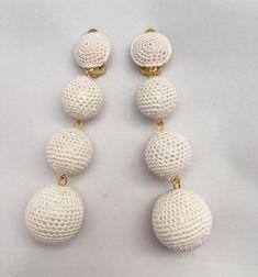 #gioiellitessili #Orecchini all' #uncinetto in puro #cotone con #perle ricoperte