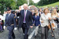 Impressionen Staatsakt - Liechtensteiner Volksblatt, die Tageszeitung für Liechtenstein-Prince Hans Adam and Princess Marie, Prince Georg and Princess Marie-Caroline, Princess Sophie (back).