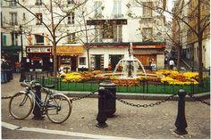 rue de mouffetarde - sitting by fountain