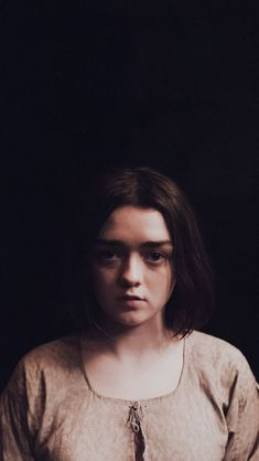young wolf. Catelyn Stark, Got Game Of Thrones, The North Remembers, Maisie Williams, Valar Morghulis, Going Home, Brown Hair, Tv Series, Beautiful People