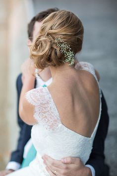70 New ideas wedding hairstyles updo classy low chignon 70 neue Ideen Hochzeit Frisuren Hochsteckfrisur edel niedrigen Chignon This. Loose Chignon, Chignon Bun, Side Chignon, Soft Updo, Wedding Bun Hairstyles, Pretty Hairstyles, Hairstyle Ideas, Wedding Hair And Makeup, Bridal Hair