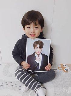 kawaii Bebe Mamang 可愛い ღ Hong Eunwoo Cute Baby Boy, Cute Little Baby, Baby Kind, Little Babies, Cute Boys, Cute Asian Babies, Korean Babies, Asian Kids, Cute Babies