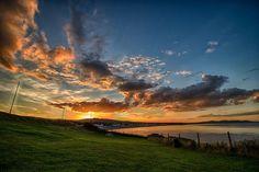 Bray, petite station balnéaire irlandaise...   #ireland #irlande #alainntours #bray #sea #sunset  © Unsplash Dublin, Station Balnéaire, Photos, Clouds, Sky, Celestial, Sunset, Outdoor, Red Arrow