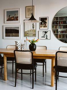 Nadja Endler Photographer — Houzz Tour of Karolina Modig Esstisch Design, Living Vintage, Dining Room Design, Design Bedroom, Dining Rooms, Piece A Vivre, Dining Room Inspiration, Cozy House, Home And Living