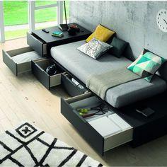 Gran Idea para cuartos juveniles.  Todo espacio es aprovechable y útil para tener las cosas en ORDEN!