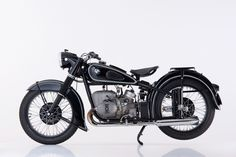 mikeshouts: 90 Years of BMW Motorrad. classic BMW two-wheelers. Bmw Motorbikes, Bmw Motorcycles, Vintage Motorcycles, Bobber Bikes, Bmw C1, M Bmw, Scooters, Bmw Vintage, Bmw Boxer