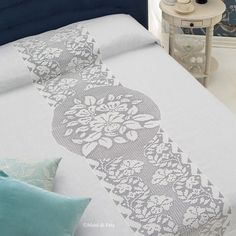 lino, occorrente e schema per copriletto matrimoniale con inserto uncinetto filet