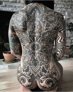 Healed backpiece on Sana. Wrapping around to stomach in future. Don't forget to click the link in the bio for new merch available until April . Hot Tattoos, Body Art Tattoos, Flower Tattoos, Full Body Tattoo, Angel Tattoo Men, Lower Back Tattoos, Arm Band Tattoo, Picture Tattoos, Tattoos For Women