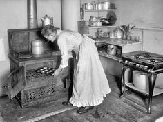 Photos of Old Kitchens from 1860 to 1970 - History Daily