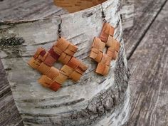 Birch Bark Earrings, rustic style Earrings, handwoven jewelry, Women Accessory, Natural Wood Earrings, eco friendly gift scandinavian design Birch bark earrings are hand made. They are very light, elegant and natural. Earrings are completely ecological product, made without glue or any other chemical treatment. Birch bark is very light material. Size of earrings shouldnt affright, your ears wont be tired even after wearing them whole day long. Size: 5 cm tall 5 cm wide