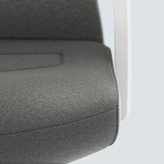 PURE INTERIOR Edition 09 #Grau. Mehr Design für dein #HomeOffice. Mit einer vielfältigen und hochwertigen Stoffauswahl und ihrem ergonomischen Design vereint die PURE INTERIOR Edition bequemes und ergonomisches Sitzen. Das Design und die Farbgebung des PURE machen ihn zu einem optischen Leichtgewicht. Farblich abgestimmt bringt er sich in das Home Office ein und kann sich gleichzeitig zurücknehmen. #schreibtischstuhl #produktivität #interiordesign #Stoff #ergonomie #interstuhl Home Office, Pure Home, Interiordesign, Designer, Pure Products, Gray, Office Home, Home Offices