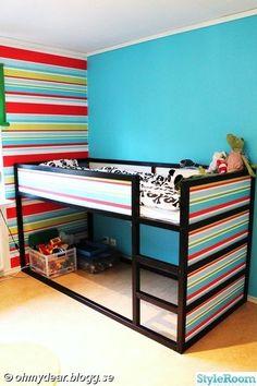 Baby wallpaper ikea hacks ideas for 2019 Baby Wallpaper, Room Wallpaper, Bedroom Sets, Girls Bedroom, Boys Room Decor, Kids Room, Ikea Hacks, Kura Bed, Kid Spaces