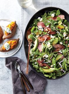 """6 minutes to skinny - Black and Blue Steak Salad - Quick and Easy Beef and Lamb Recipes for Dinner Tonight - Cooking Light - Watch this Unusual Presentation for the Amazing to Skinny"""" Secret of a California Working Mom Salad Recipes For Dinner, Healthy Salad Recipes, Sin Gluten, Gluten Free, Paleo, Keto, Steak Salad, Roast Beef Salad, Tasty"""