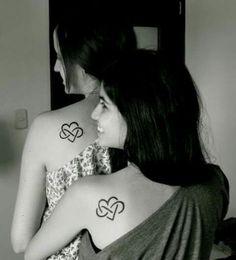 Anya-lánya tetoválás