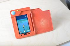 Genius builds a Pokédex phone battery case and Nintendo should too